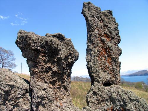 Каменные истуканы пос. Славянка (Пойменская впадина)